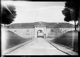 L'entrée du Trou d'Enfer en 1920