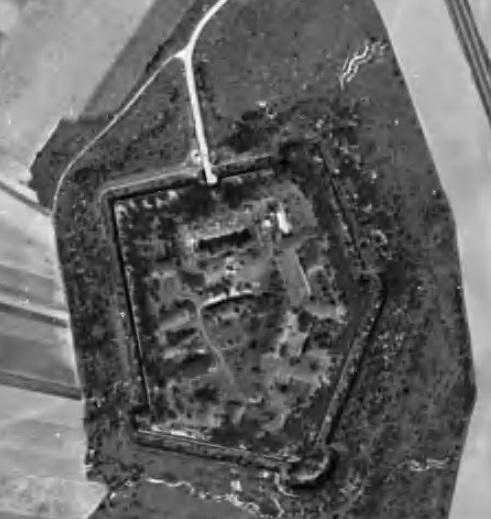 Le fort de Montbré en 1949 image Géoportail