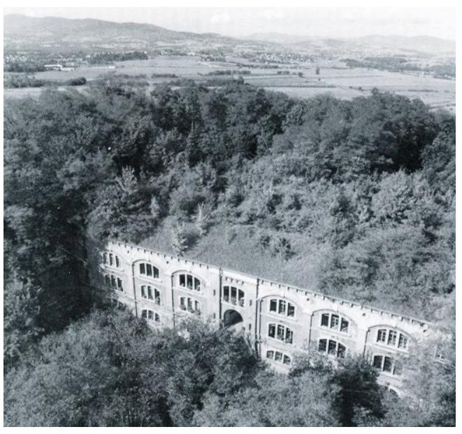 Le fort du Paillet à une date indéterminée mais dans la végétation
