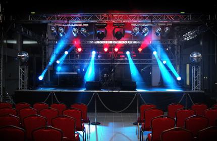 Spectacle sonorisation eclairages en vendée avec Events85